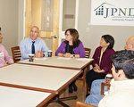 支持「議題5」媒體圓桌會上,(左起)麻州社區發展協會會長、「為了更好的波士頓」聯盟主席Joseph Kriesberg、IBA首席執行官Vanessa Calderón-Rosado、華人前進會共同主任駱理德依次發言。(貝拉/大紀元)