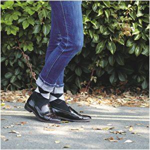 牛仔裤品牌MiH Jeans;便士乐福鞋品牌Hobbs NW3。(商周出版社提供)