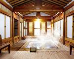Reahn World的韩屋室内温泉,可一家大小同泡同乐。(Reahn World提供)
