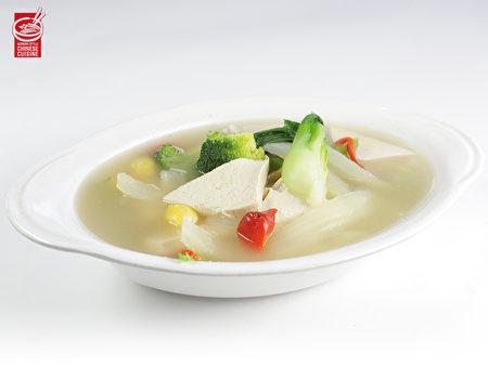 蔬菜豆腐汤(张学慧/大纪元)