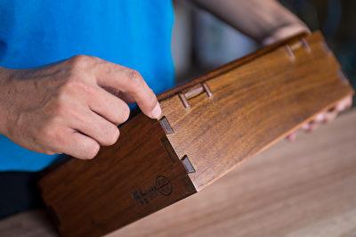 榫卯工藝講究材質、工法與對原木的珍惜,有百年以上的生命周期,使用越久價值越高。(銘木提供)