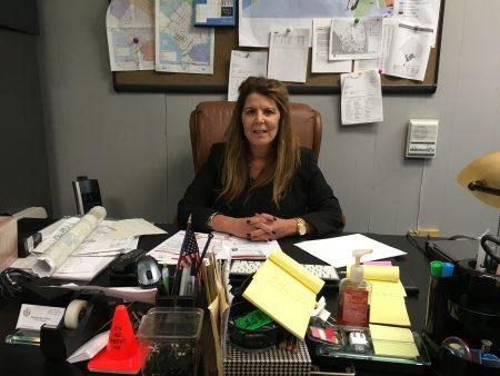 第11社区委员会区域总监Marnee Elias-Pavia女士表示,遇到房东不供暖可以投诉,但也要当心,不要把自己弄得无家可归。