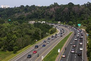多倫多市長莊德利將支持對DVP和Gardiner高速收費,圖爲DVP高速公路 (Cole Burston/Toronto Star via Getty Images)