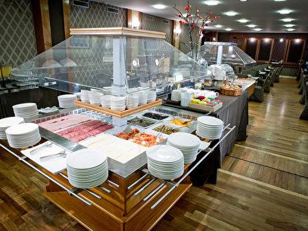 意大利米兰骑士酒店提供丰盛的欧式自助式早餐。(骑士酒店官网)