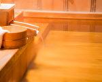 研究表明,熱水浴對身體健康有多方面的積極影響。(Fotolia)