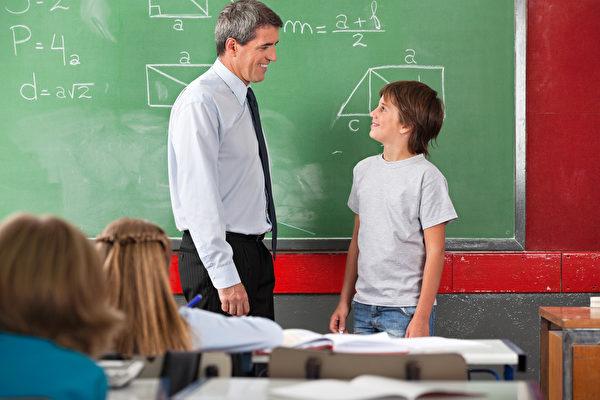 由美国与以色列学者所共同进行的一项研究显示,令人快乐的学校能增进学生的学业成绩。(Fotolia)