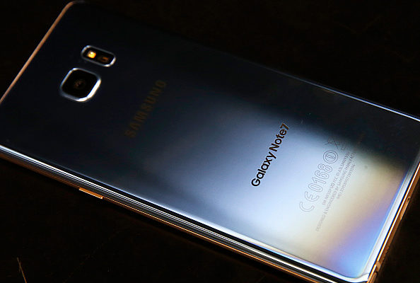 三星可折叠萤幕手机 传2019年初亮相