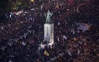 要求朴槿惠下台 首爾50萬民眾走上街頭