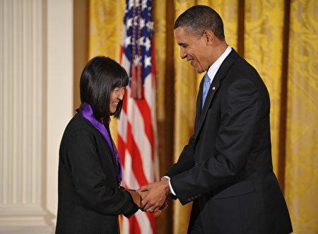 華裔女獲自由勳章 奧巴馬兩度親自授勳 | 建築設計師 | 林瓔 | 美國國家藝術勳章