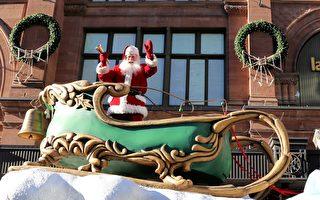 11月19日星期六,蒙特利尔民众迎来一年中规模最大、最为欢庆的室外——活动圣诞大游行,逾25个彩车方阵及表演队伍参加游行,在市中心繁华的圣-凯瑟琳大街沿途数十万人观看。图为在游行队伍最后,带给人们圣诞、新年祝福的圣诞老人。(易柯 / 大纪元)