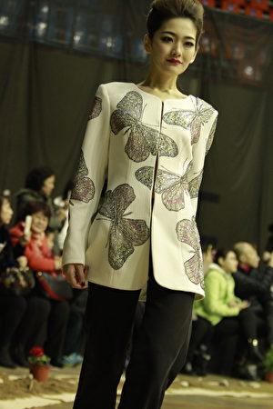 金明鋒設計的服裝。(金明鋒提供)