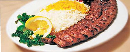 香氣四溢的卡博串配藏紅花米飯(Shiraz Persian Restaurant提供)。