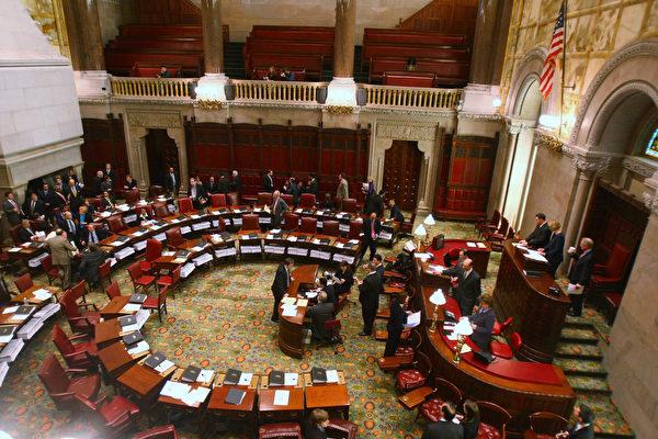 明年1月州参议院会期开始时,多个参议员席位将发生变化,但共和党仍保持多数党地位。 (Daniel Barry/Getty Images)