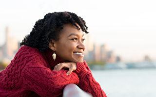 修煉自己,不厭惡控制是一種心靈解脫,會讓我們更快樂。 (Rido/Shutterstock)