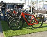 参展的Juiced电动自行车。(杨阳/大纪元)