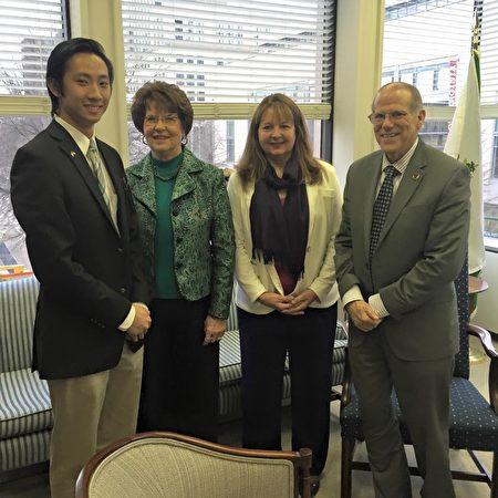 2015年,张本明在维吉尼亚州州参议员Frank Ruff办公室实习。(受访者提供)