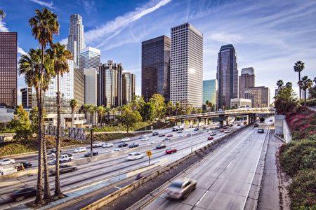 加大洛杉矶分校安德森预测(UCLA Anderson Forecast)的最新报告预期,加州经济将受益于国防工业和基础建设投资。(Fotolia)