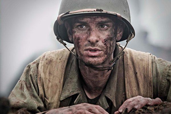 梅尔‧吉布森再执导筒,推出《钢锯岭》(台译:钢铁英雄)。图为剧照。(甲上提供)