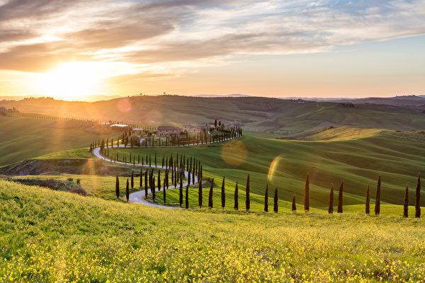 托斯卡纳,意大利附近美丽的夕阳