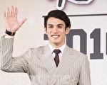 旅日棒球好手阳岱钢11日在台北出席返台记者会。(陈柏州/大纪元)