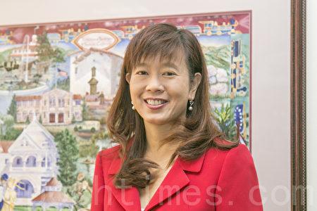 新當選菲利蒙市長的高敘加接受大紀元記者專訪。(曹景哲/大紀元)