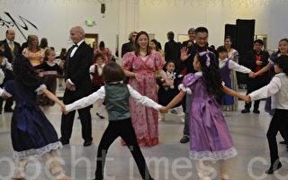 湾区菲利蒙圣诞传统 孩子们与民选官员合演芭蕾