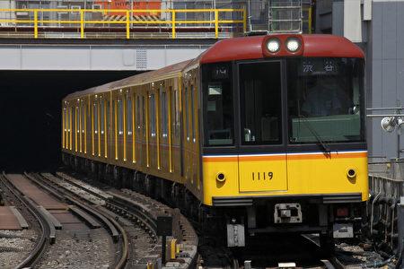 12月1日,东京地下铁银座线的车辆正式向外国游客提供免费WI-FI。(PIXTA)