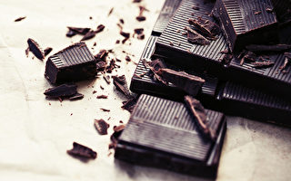 黑巧克力。(iravgustin/shutterstock)