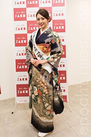角逐2017年日本酒小姐候选人亮相