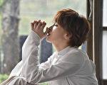 曾沛慈新歌《我的泪》MV画面。(福茂唱片提供)