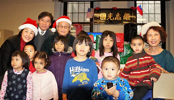 中華公所雪中熱鬧迎聖誕