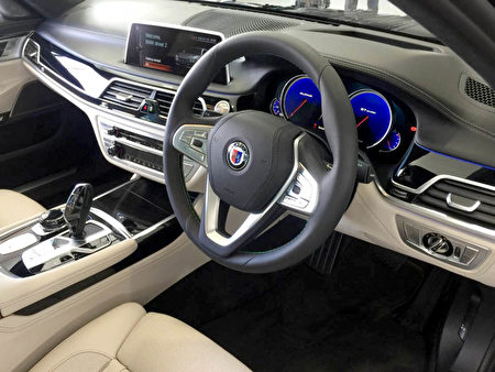 BMW ALPINA B7 Biturbo细节图。(安柏超/大纪元)