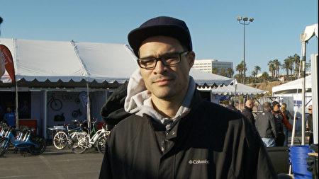 Juiced电动自行车创始人何廉君。(杨阳/大纪元)