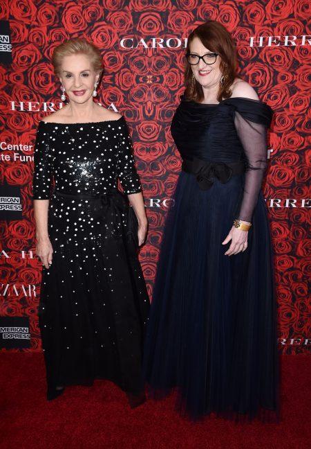 設計師卡羅琳娜·埃莱拉(左)和《時尚芭莎》主編格倫達·貝利(右)。