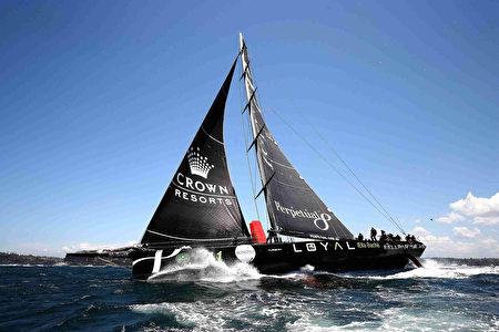 2016年12月26日,第72屆悉尼-霍巴特帆船賽開賽後的15分鐘內,曾領先船隻Perpetual LOYAL。( Brendon Thorne/Getty Images)