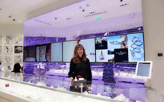 全球最大的網路珠寶商Blue Nile在貝爾維尤廣場(Bellevue Square)一層開了一間體驗店(Webroom),12月14日正式開業。(石玉斌/大紀元)