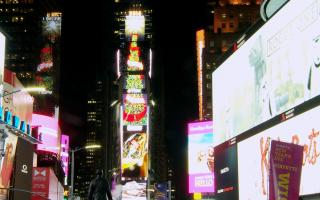 时代广场屏幕上,世界最大的电子圣诞树。 (宇亭/大纪元)