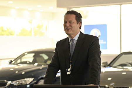 BMW澳洲首席执行官Marc-Heinrich Werner先生为ALPINA澳洲首发致辞。(安柏超/大纪元)