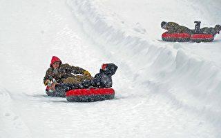 迦南谷渡假村是中大西洋地區最長的高地滑雪(Snow Tubing)場的所在地,擁有多條長1,200英尺的滑道。(迦南谷渡假村提供)