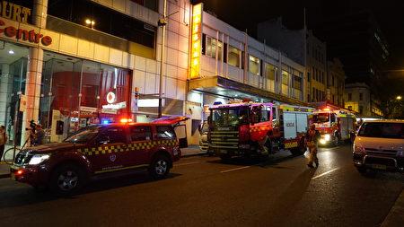 2016年11月29日,澳洲悉尼唐人街著名地标德信大厦美食街发生瓦斯泄漏引发的起火爆炸,造成16人受伤。(Nina/大纪元)