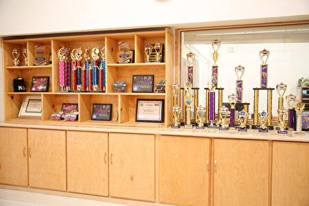 飞天艺术学院的学生在各项比赛中屡屡获得大奖。(旧金山私立艺术学校,加州飞天艺术学院提供)