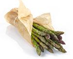 由于芦笋内含芦笋酸,经消化代谢后会产生有异味的含硫物质,所以吃完芦笋后尿液会有怪味。(Fotolia)