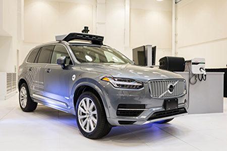 Uber在旧金山使用的自动驾驶车是由沃尔沃(Volvo)利用XC90型车开发的。( ANGELO MERENDINO/AFP/Getty Images)