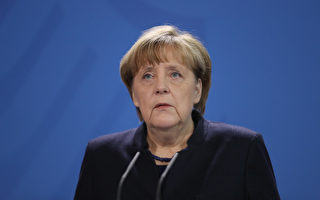 默克尔:柏林圣诞市场卡车血案是恐袭