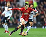 姆希塔良打入英超首粒进球,助曼联主场1-0击败热刺。 (Photo by Richard Heathcote/Getty Images)