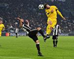 欧冠小组赛结束后,将进入淘汰赛,比赛精彩可期。 (Valerio Pennicino/Getty Images)
