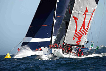 2016年12月26日,第72屆悉尼-霍巴特帆船賽開鑼。80餘隻帆船角逐從起點悉尼港至霍巴特憲法碼頭的賽事。(Brendon Thorne/Getty Images)