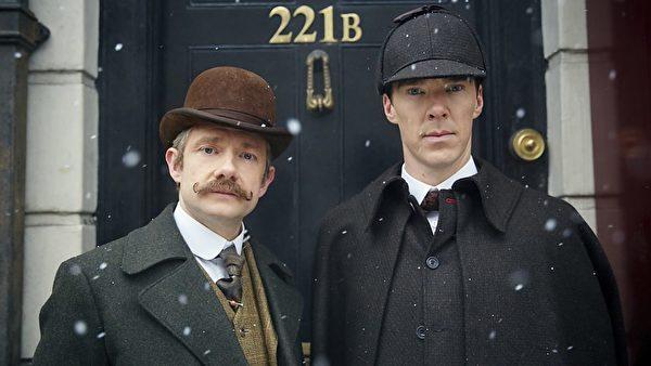 BBC拍摄的《神探夏洛克》的剧照,后面就是福尔摩斯的家Baker Street 221B号 (BBC)