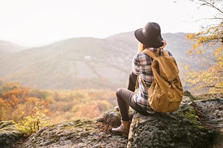 人生的旅行,有很多不同的形式。有人追逐山光水色;有人探索内心世界。(fotolia)