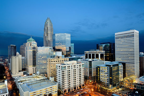 An angle on the Charlotte North Carolina skyline that shows how much ...